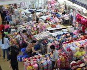 ドンスアン市場内