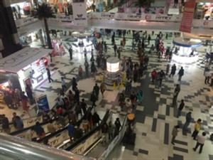 バングラデシュのショッピングモール