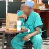 医療服を着たまま平気で電車に乗るアメリカの医師・看護師。その衛生観念を聞いた