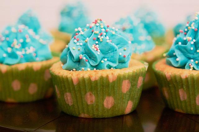 なぜアメリカ人は真っ青なケーキを平気で食べるのか? その理由がほぼ判明   ハーバー・ビジネス・オンライン