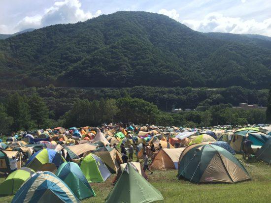 夏フェスのキャンプサイト