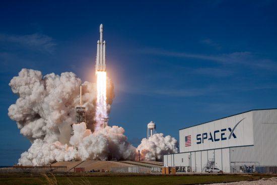 スペースXの「ファルコン・ヘヴィ」ロケット
