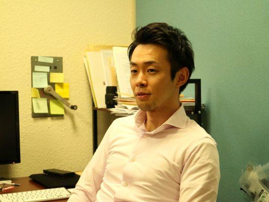 内山智晴氏