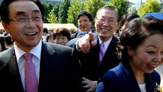 徳野英治会長と宋龍天総会長夫妻