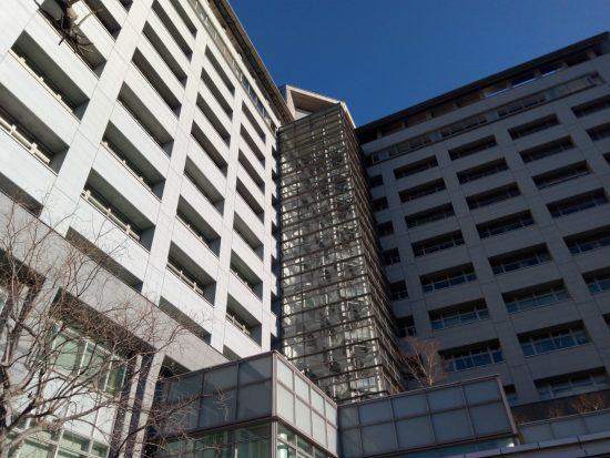 外国人が無期限で収容される東京入国管理局の収容所