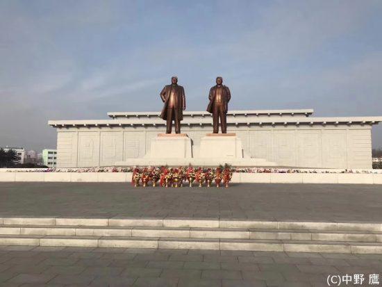 金日成主席と金正日総書記の銅像