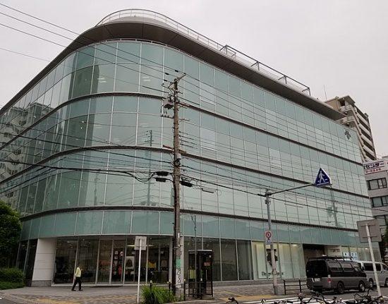 デサントの大阪本社ビル