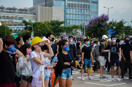 デモに参加した若者たち