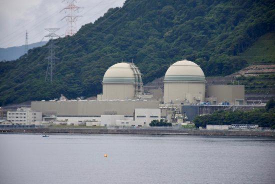 内浦湾より撮影した高浜発電所2