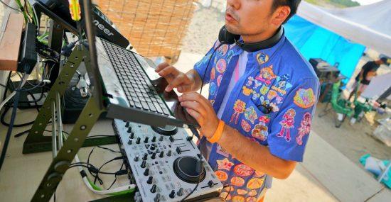 DJするプリキュアおじさん