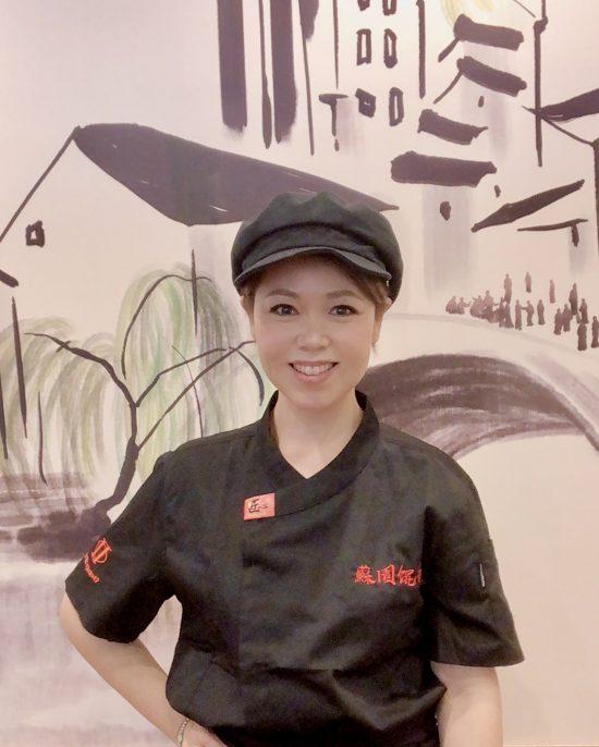 蘇園餛飩オーナーの李文娟さん