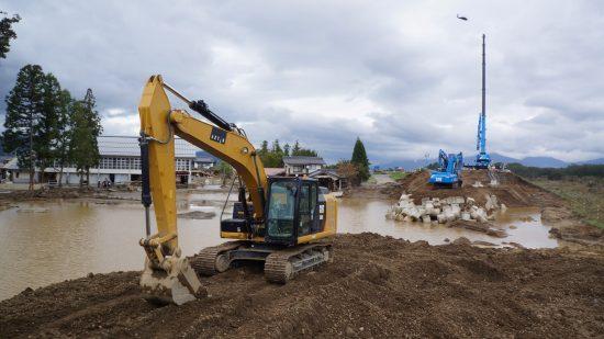 千曲川の堤防決壊現場