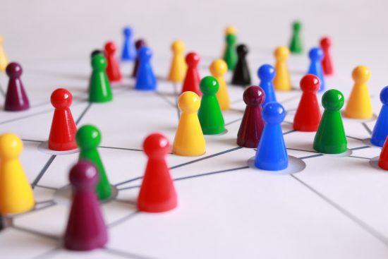 人間関係のネットワークイメージ