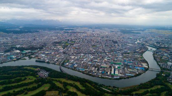 新屋演習場から秋田県庁方向(東側)を撮影