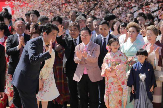 桜を見る会で我が世の春を謳歌していた頃の安倍総理
