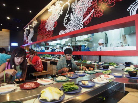 「オイシ」グループの回転鍋と寿司のチェーン「シャブシ」