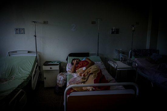 ベネズエラの病院で医療放置状態にある入院患者