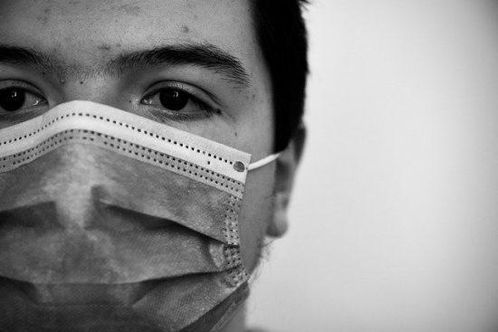 マスクの男イメージ