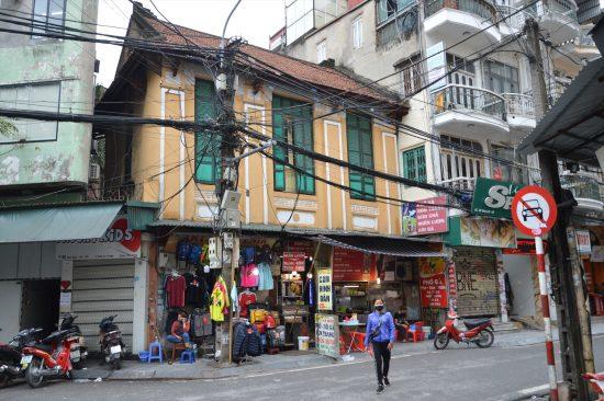 ハノイの旧市街は、日本人が想像するベトナムらしい街並み