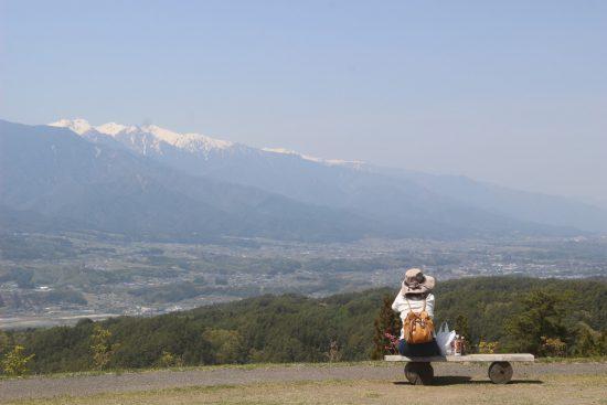豊丘村の福島てっぺん公園から伊那谷を見下ろす