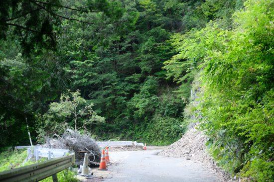 伊那山地トンネル「坂島非常口」への道路