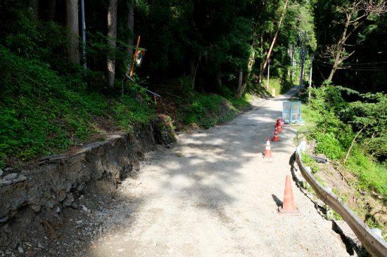 釜沢集落に至る道路