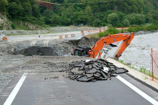 長野県が飯田市への残土搬出のために建設した道路