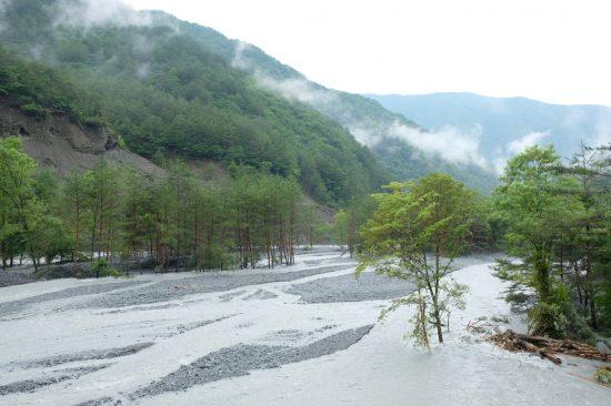 「小渋川非常口」の対岸に予定された残土置き場