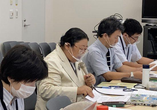 防衛省と交渉する日本自然保護協会の安部真理子さん