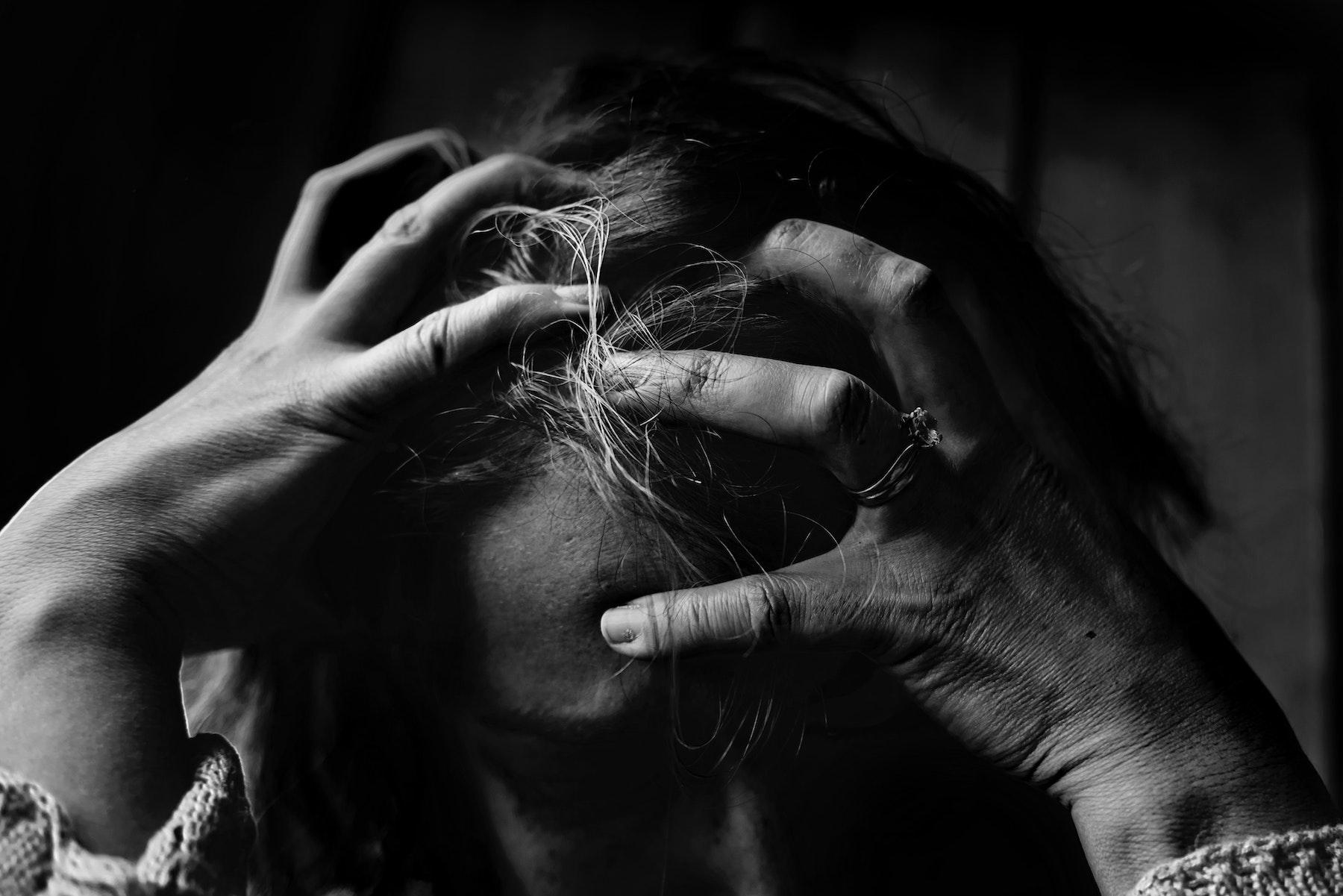 8月の自殺者が前年比で急増。コロナ禍の中だからこそ知っておきたい「自殺のサイン」