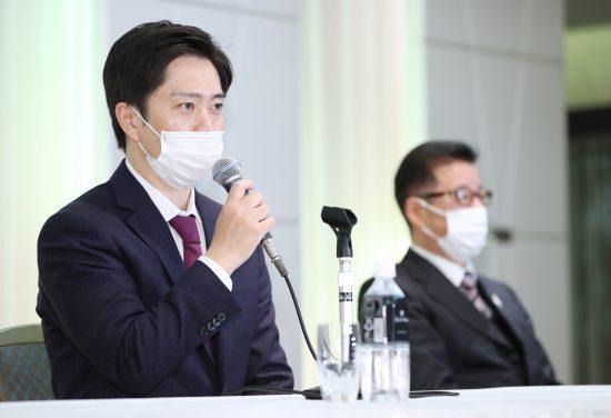 コロナ禍の真っ最中、大阪で新型コロナ感染者数が激増する中行われた日本維新の会代表選で新代表に選ばれた吉村洋文大阪府知事