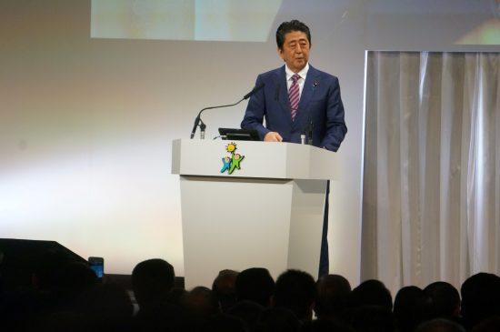 「桜を見る会」前夜祭補填問題再燃で昨年の12月24日に記者会見に臨んだ安倍前首相